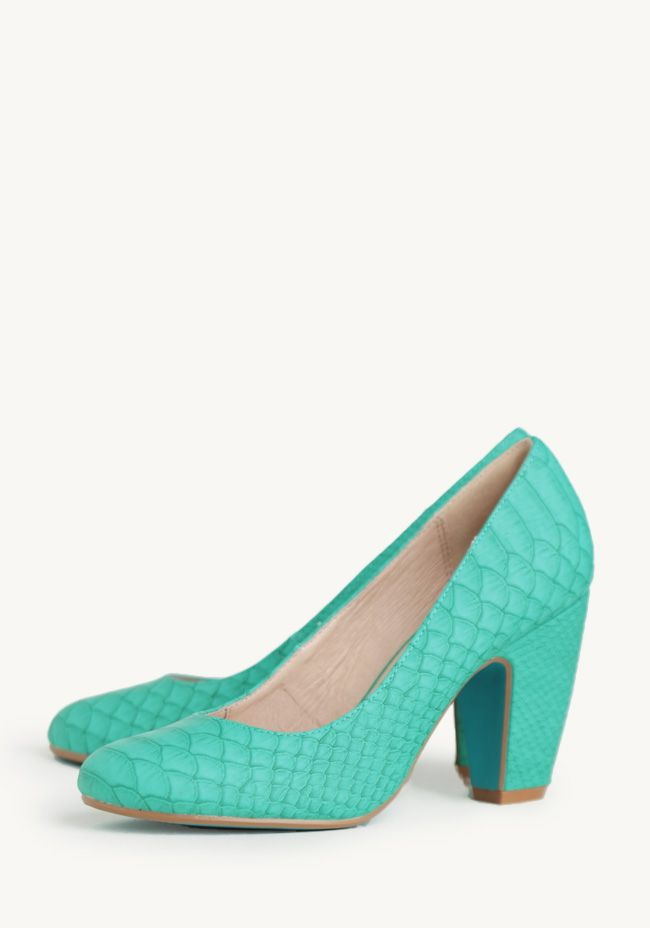 Gaston Snakeskin Pumps By Chelsea Crew at #Ruche @Mimi ♥♥ How can you not love these?