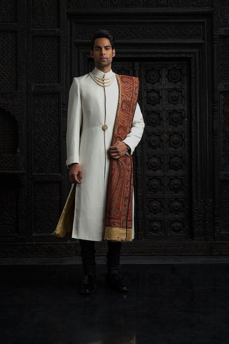Tarun Tahiliani  Latest Collections of Indian Top Designer Men Sherwani Designs for Weddings & Parties (2)