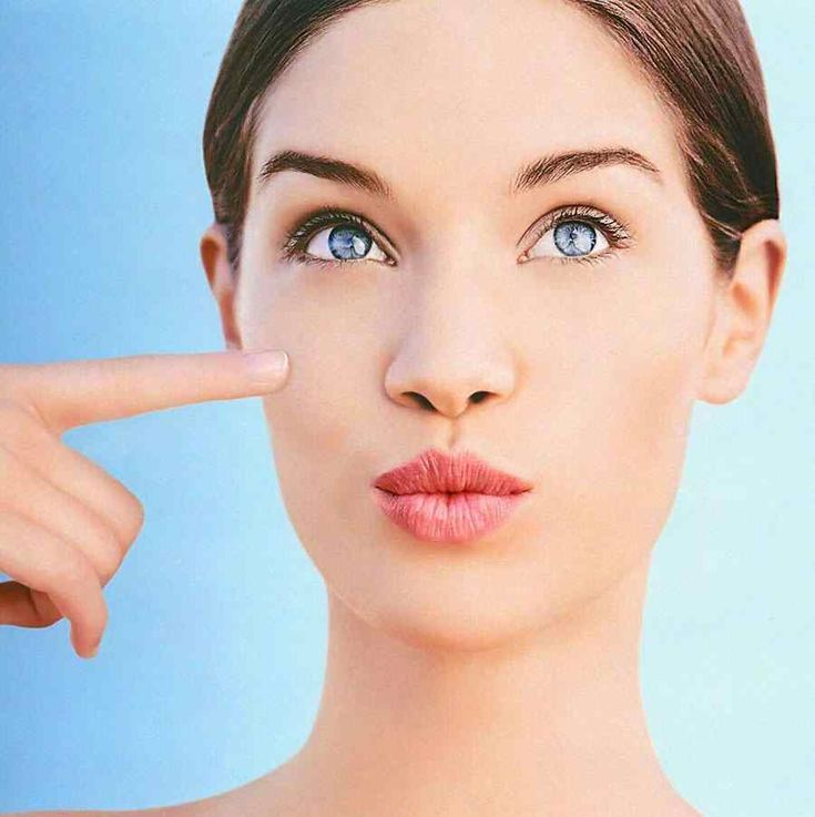 GENÇ BİR CİLT İÇİN NELER YAPMALI? Sağlık bir cilt genç görünmenin en büyük avantajlarından biridir. Genlerimizden gelen özelliklerinin cildimize etkisi çok fazladır ve tabi ki de bizimde dışarıdan yaptığımız müdahale ve kötü alışkanlıklar nedeniyle de cildimiz oldukça fazla yıpranır veya tam aksine olduğundan daha da güzel sonuçlar ortaya çıkabilir. Genç görünmek mükemmel bir cilde sahip …