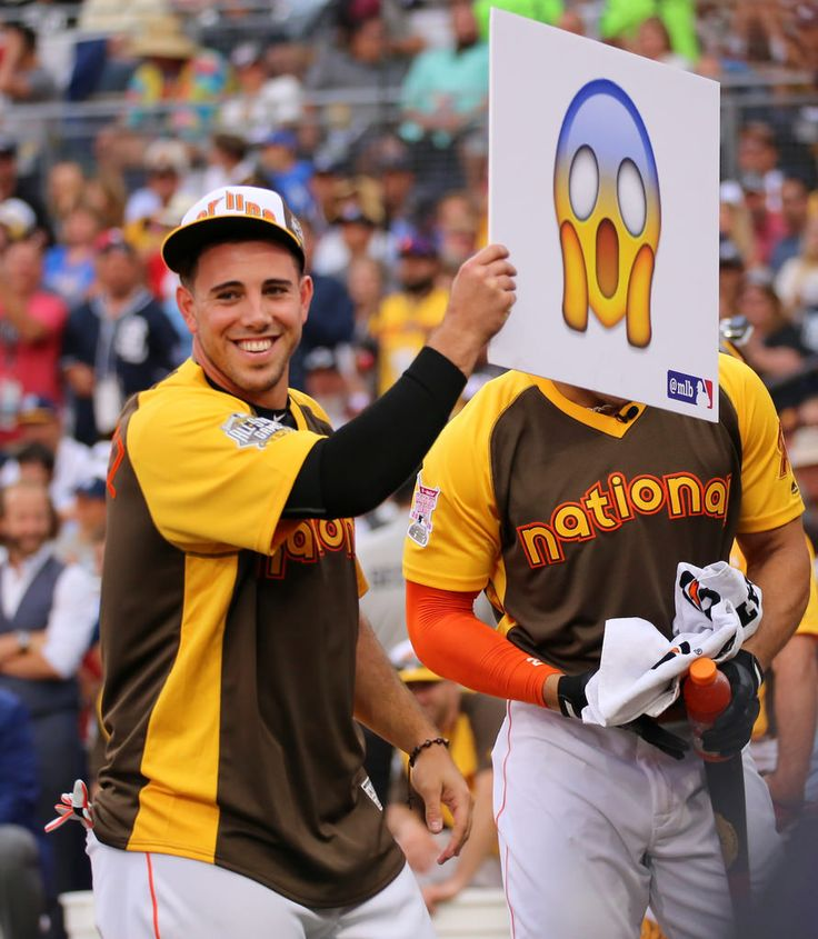 Jose Fernandez rolls out the Scream emoji during... | The Third Eye