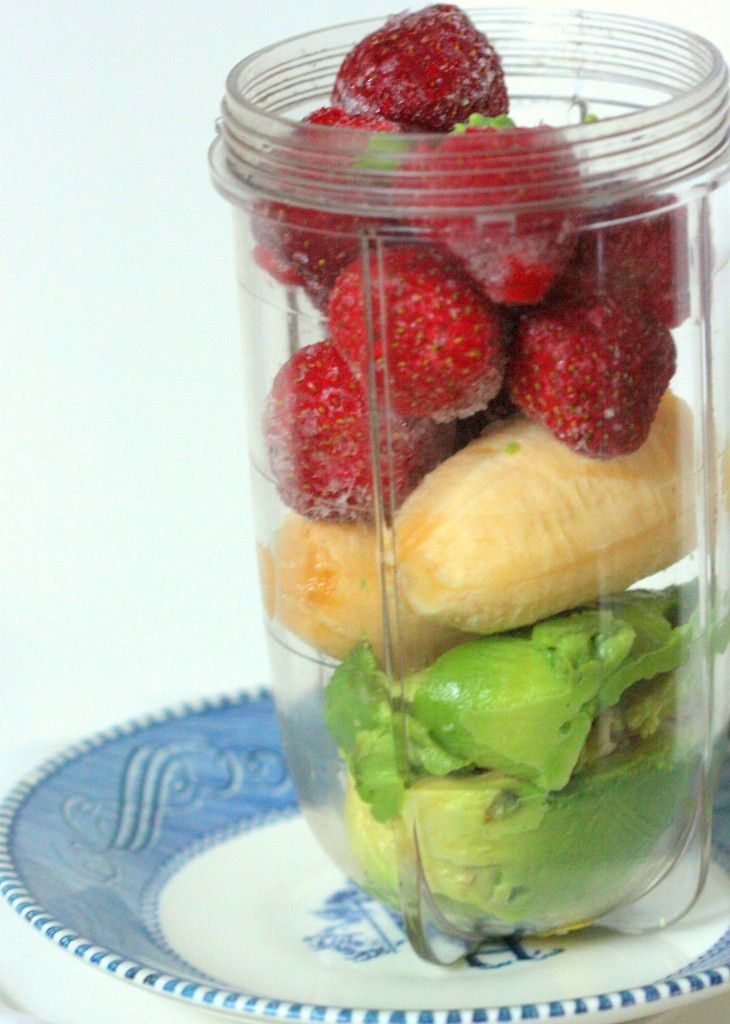 Ingredients 3/4 cup frozen strawberries 1 banana ( I like red ones, I find they are milder and easier to digest) 1/2 avocado 1/4 to 1/2 cup water to help emulsify
