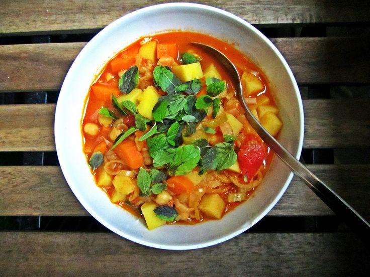 Tagine z warzywami i ciecierzycą