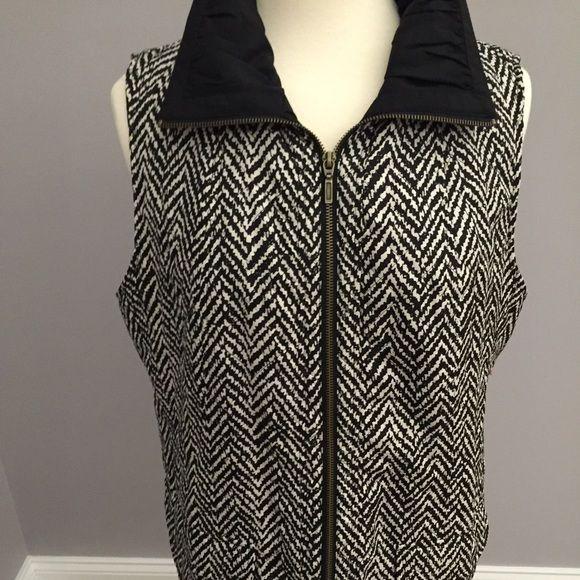 Chico's black and white vest Excellent condition size 2 Chicos black and white vest Chico's Jackets & Coats Vests