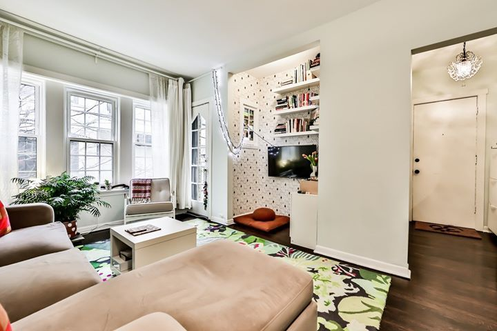 Cozy 1 Bedroom Condo In Uptown Chicago In 2020 Beautiful Living Rooms Chicago Apartment Bohemian Living Rooms