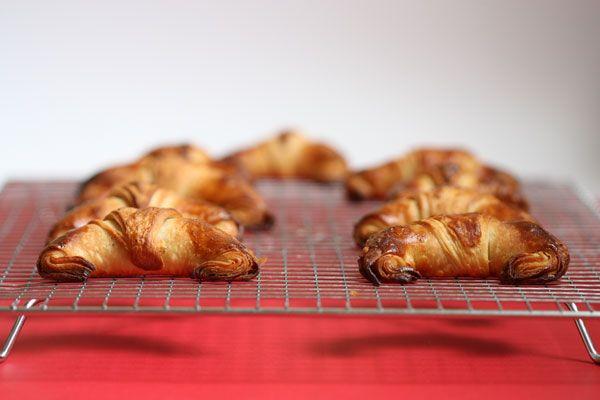 Como Hacer Cuernitos   Receta de croissants rellenos de chocolate. Y sorteo de El Amasadero ...