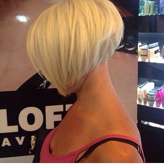 Inverted bob on blonde hair | by short hairstyles and makeovers