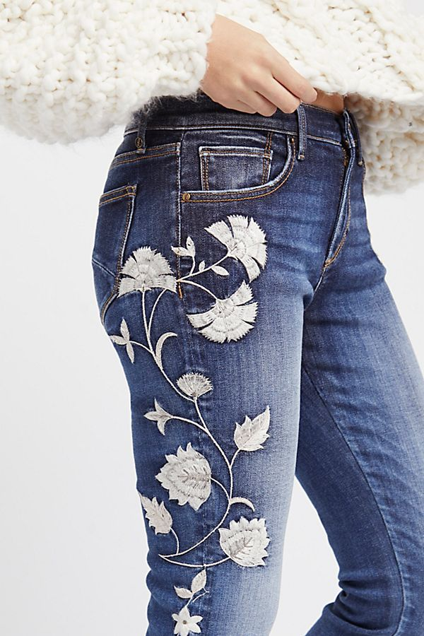 In a mid-rise, these skinny jeans feature beautiful embroidery detailing down the sides | Floral Embroidered Jeans |  Jackie Embroidered Skinny Jeans