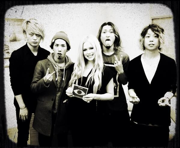Avril & ONE OK ROCK