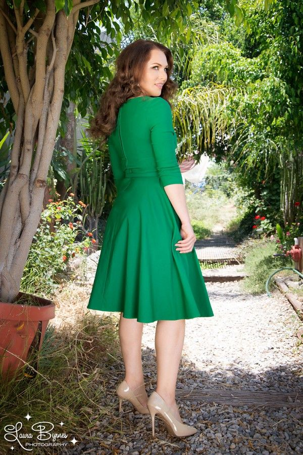 Pinup Couture Erin Swing Dress in Three-Quarter Sleeves in Emerald Green