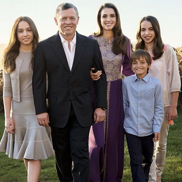 Queen Rania + King Abdullah II of Jordan with their family (@instagram - hello mag)
