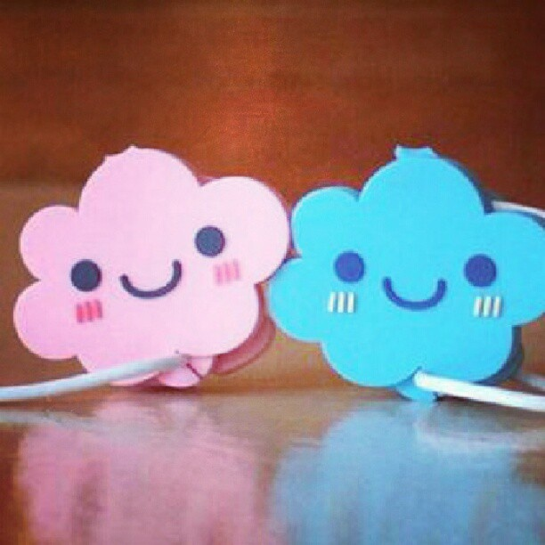 Pinky Earphone Holder  #Yan_Lee#pink#blue#Clouds - @y3n_lee- #webstagram