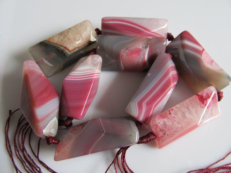 Agaat hoekige kraal in roze en grijze tinten