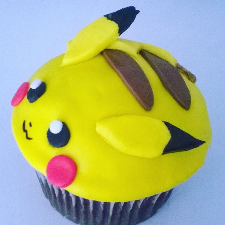 Cupcake de Pikachu. Fondant