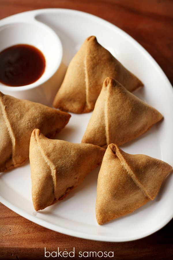 baked samosa recipe - a healthy version of punjabi samosas which are baked and made with whole wheat flour. #samosa #vegetarian #vegan #snack