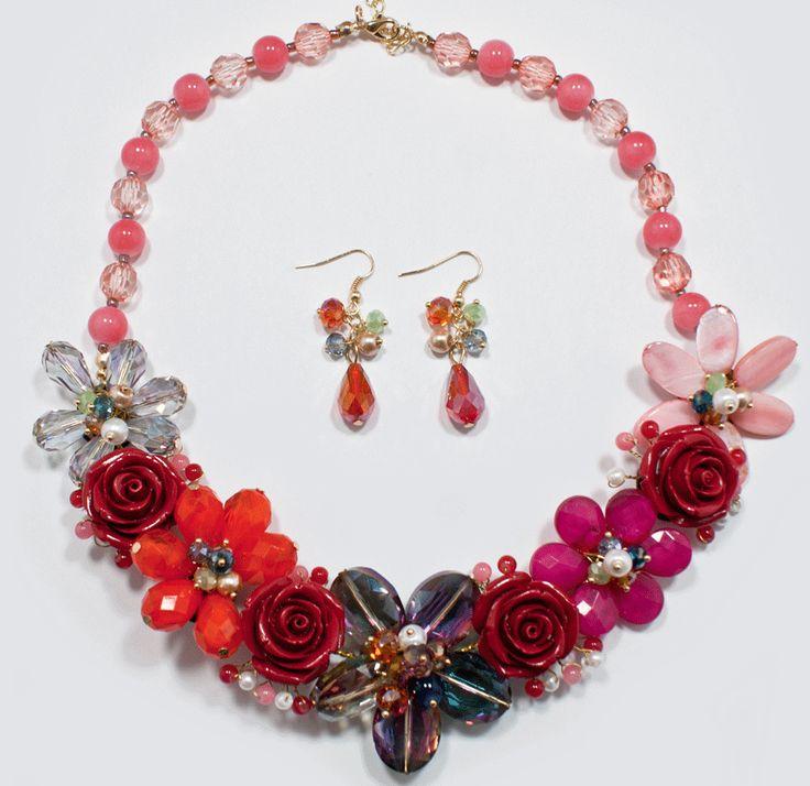 http://kareliafj.tictail.com/product/flower-necklace-earring-set-363444