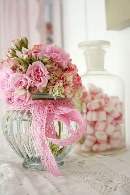 Lovely pink tablescape