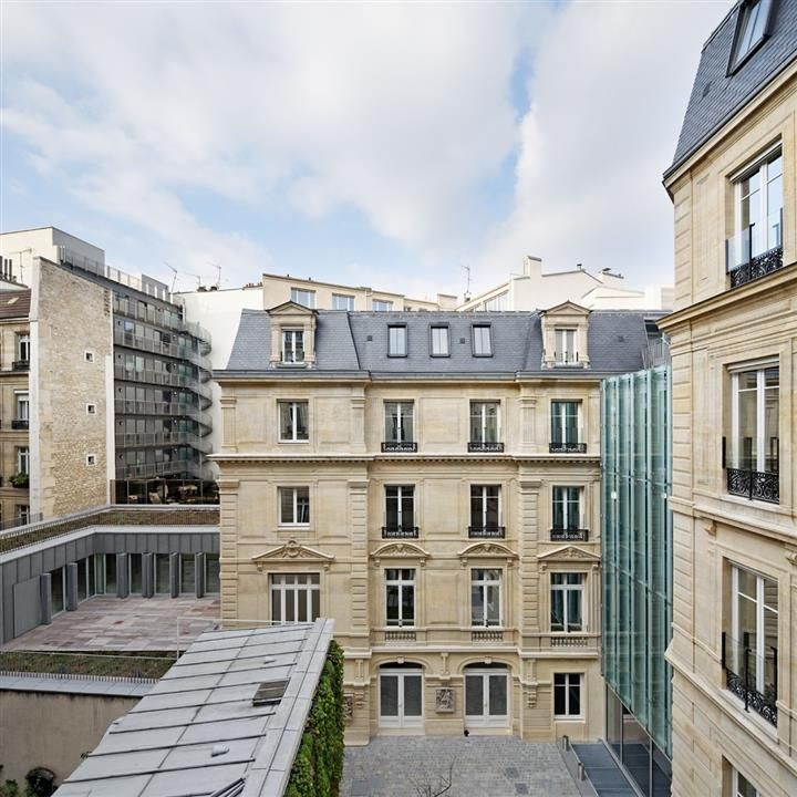 20 Boetie Paris. #Nacarat #Rénovation #HQE #Architecture #Immobilier #Bureaux © Vincent Fillon