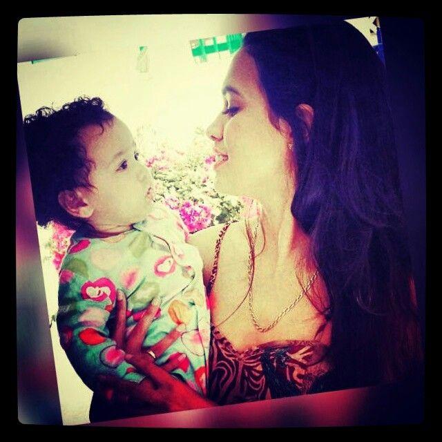 Shumeez with her baba. Princesse HANIYAH 1YRS OLD