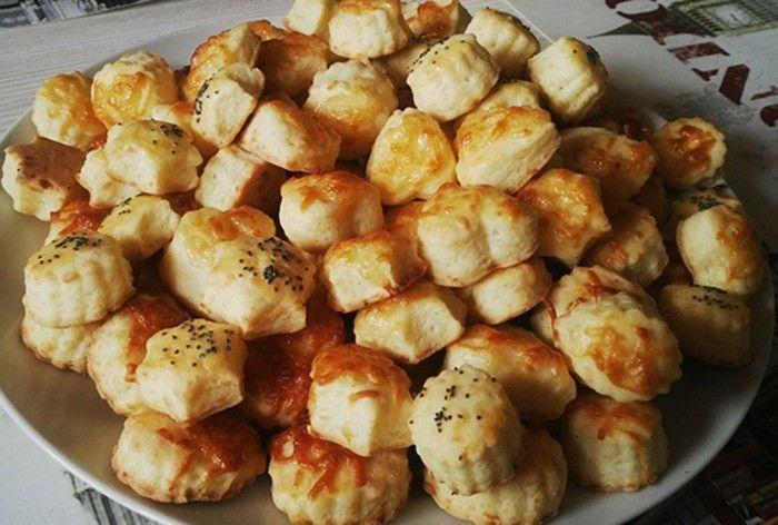 Sýrové pagáče jsou u nás doma velmi oblíbené. Z talíře zmizí za pár minut. Autor: cleopatra
