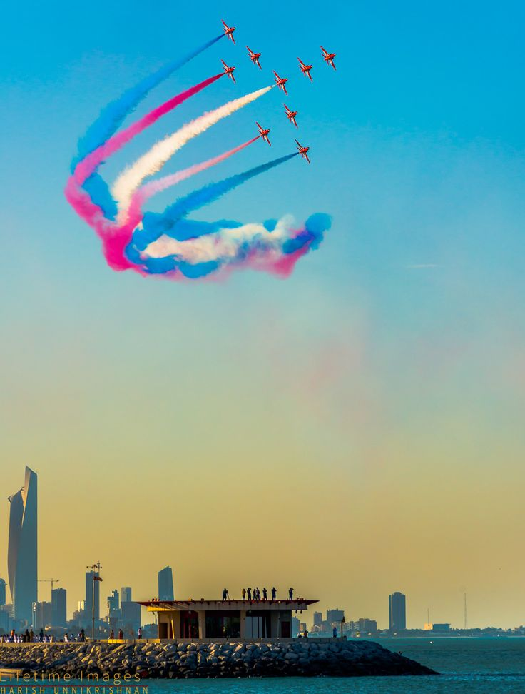 Royal Air Force Aerobatic Team, Red Arrows. Kuwait. Photo by Harish Unnikrishnan.