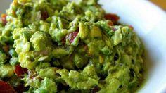 Эта необыкновенно вкусная мексиканская закуска порадует тех людей, которые знают толк в еде. Гуакамоле — …