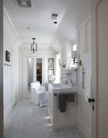 unusual floor plan, marble floor, white bathroom