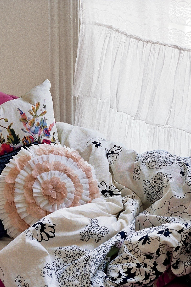 Lace Bedspreads And Curtains