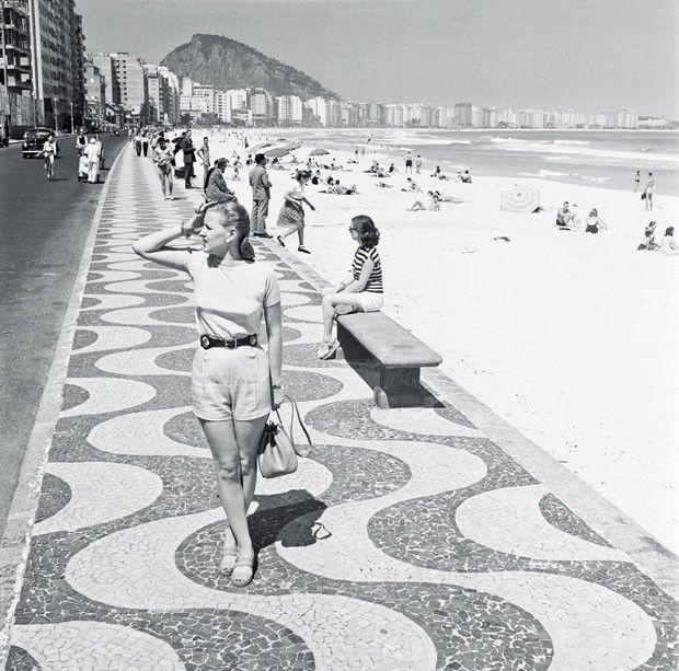 Praia de Copacabana, 1947 (Foto: Kurt Klagsbrunn)
