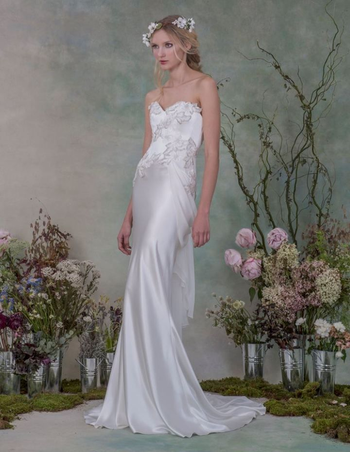 Sexy and Romantic Elizabeth Fillmore #weddings #weddingdresses Visit our website to view more stunning wedding dress designers http://www.boutiquebridalconcepts.com/suppliers/wedding-dresses