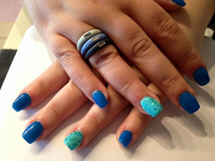 #nails #madebyme #blue #lightblue #glitter