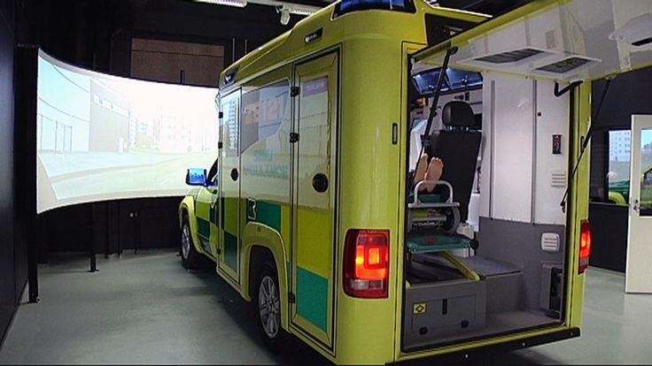 Ainutlaatuinen ambulanssisimulaattori käyttöön Suomessa – ensihoidon opetus mullistuu! Unique ambulance simulator for use in Finland - primary care teaching revolutionized!