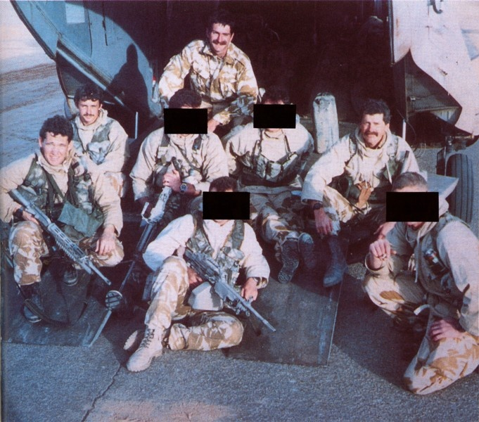 SAS - 'Bravo Two Zero' before deployment, Chris 'The One that Got Away' Ryan far left. #SpecialForces