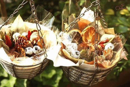 『Chamomile*Roman』さんのアロマクラフトレッスン完成したのは、モイストポプリドライフルーツや木の実とアロマオイルのコラボで見た目も可愛い