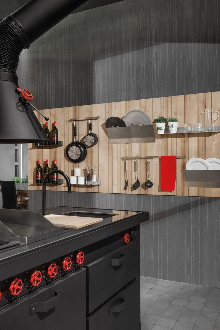Minacciolo reinterprets the decorative boiserie