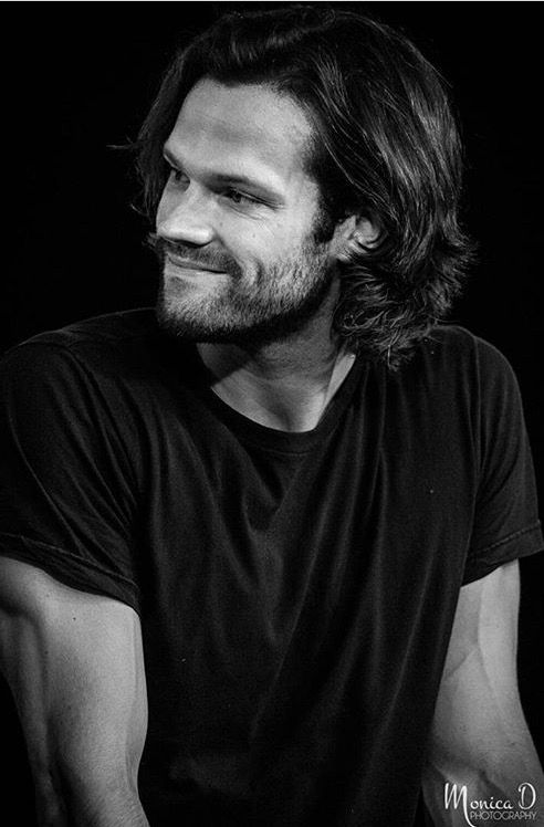 Jared Padalecki... No body looks hotter in a t shirt..!!!