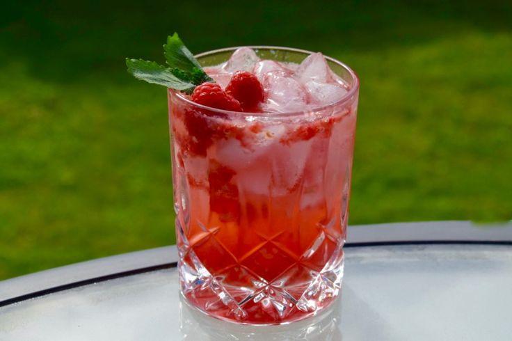 Ukens drink - Bringebær Caipirinha - Smak av sommer!