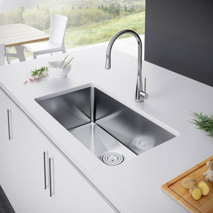 Exclusive Heritage 32 x 19 Single Bowl Undermount Stainless Steel Kitchen Sink (Sink + Strainer), Silver