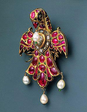 Mughal ruby, pearl, diamond, emerald and gold bird pendant.