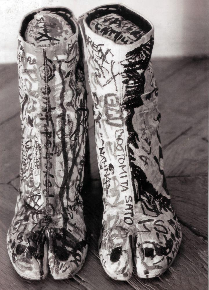 Signature Tabi boots