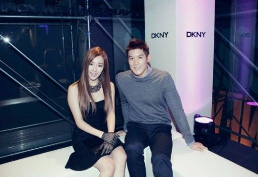 Girls' Generation's Tiffany and Park Tae Hwan pose sweetly for the camera