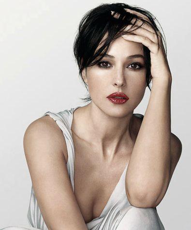 Girls Cloth, Women Fashion,: Italian Model Monica Bellucci Fashion Dress Style Photos: