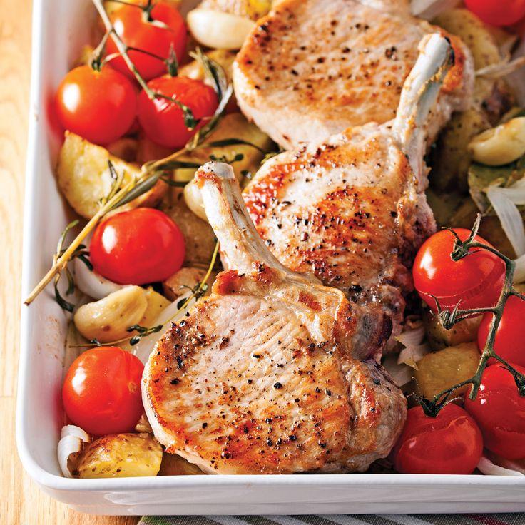 Puisque cette délicieuse recette se congèle aisément, profitez des rabais pour faire le plein de côtelettes de porc et vous aurez en réserve un deuxième souper réconfortant.