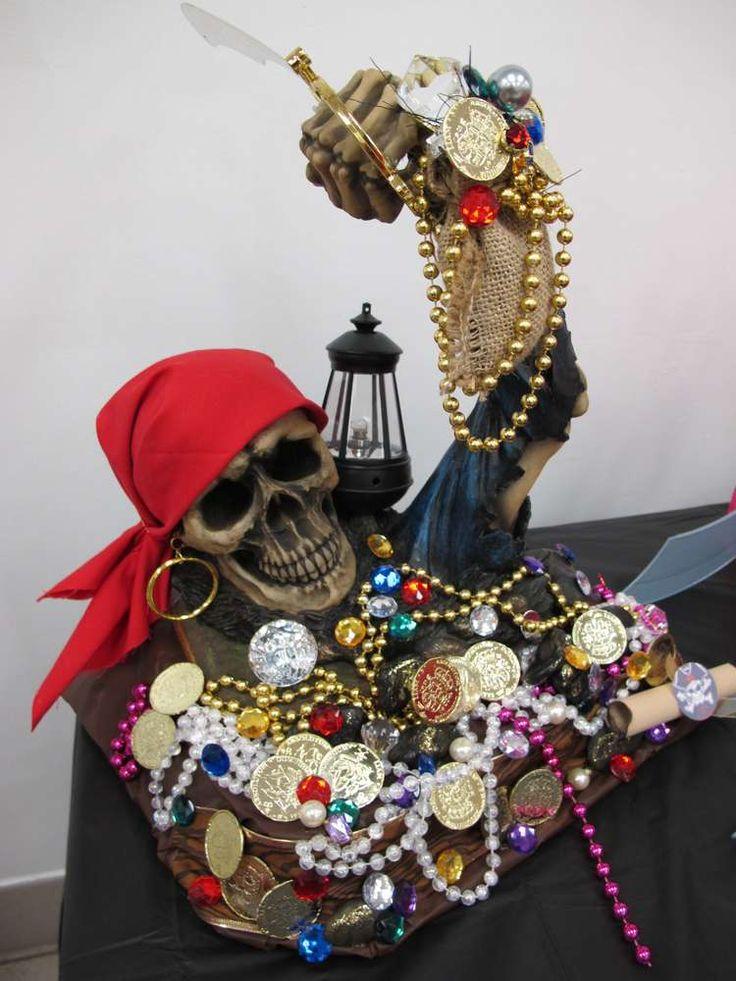 Pirates birthday party ideas for Decoration de porte halloween
