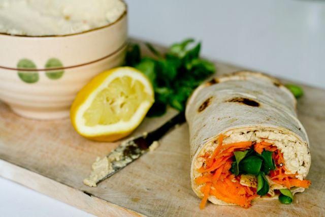 Lipii cu humus si salata de morcov
