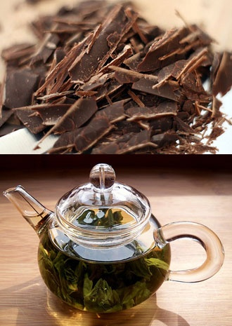 Dark chocolate & green tea = plenty of flavanoids. Great for cognitive performance. Eat them together: fold chocolate in loose green tea leaves!