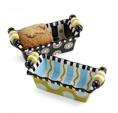 Go from the oven to the table with these delightful hand painted ceramic mini loaf bakers from Mud Pie.