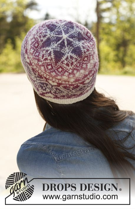 "Montreal - Knitted DROPS hat with pattern in ""Delight"" and ""Fabel"". - Free pattern by DROPS Design"