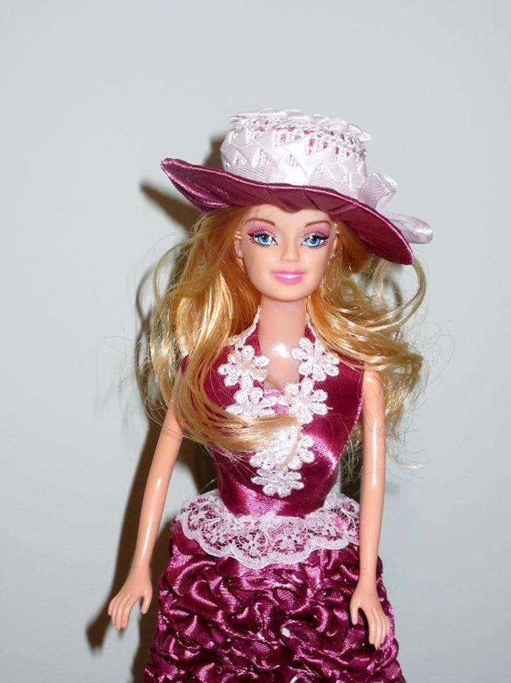 Elegance wearing Violet