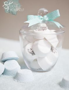 Learn how to easily make your own bath bombs!