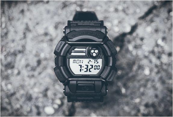RELÓGIO G-SHOCK EDIÇÃO LIMITADA - HUF X G-SHOCK WATCH  A Marca HUF se uniu com a G-Shock para este relógio de edição limitada. O G-Shock GD400HUF-1 é construído sobre a plataforma do GD400 com inspiração no skate.